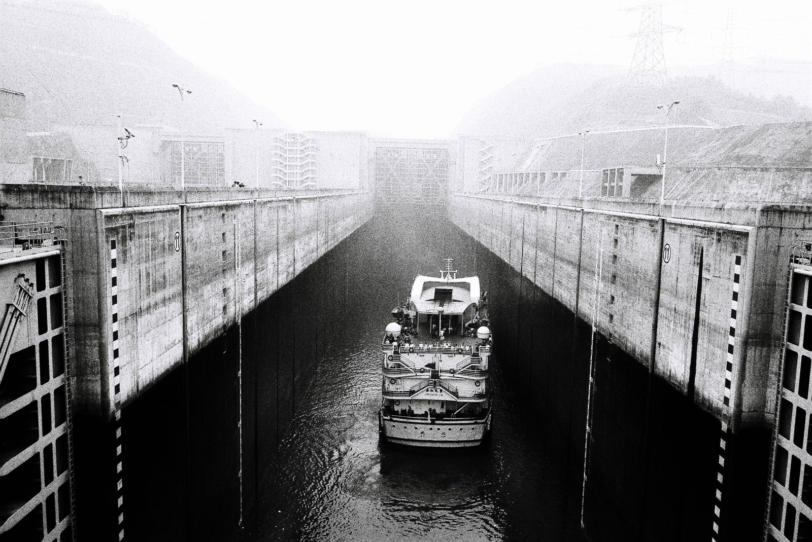 Black & white three gorges dam
